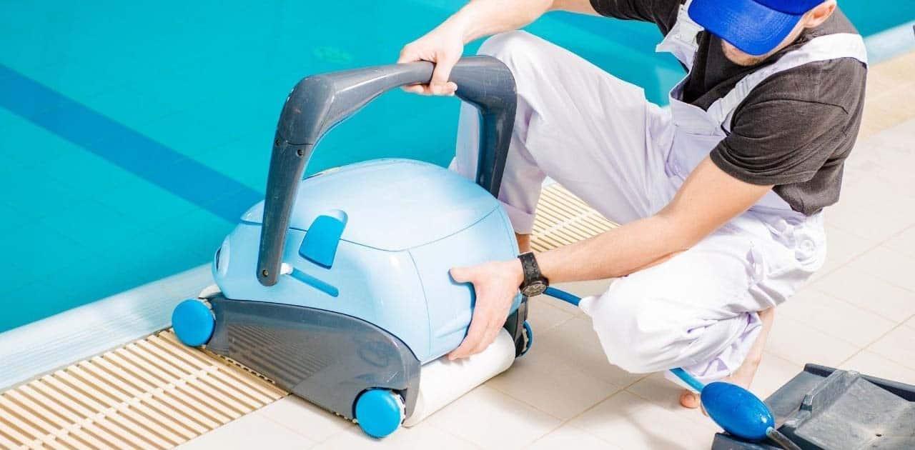 best pool vacuum for algae