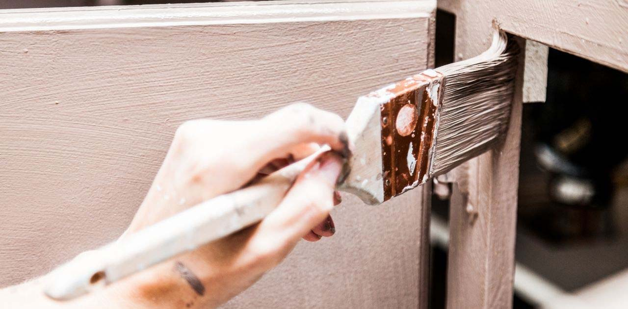 How to Repair Chipped Paint on Kitchen Cabinets
